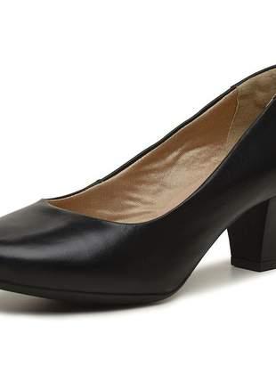 Scarpin pierrô salto baixo e grosso couro legítimo cor preto liso