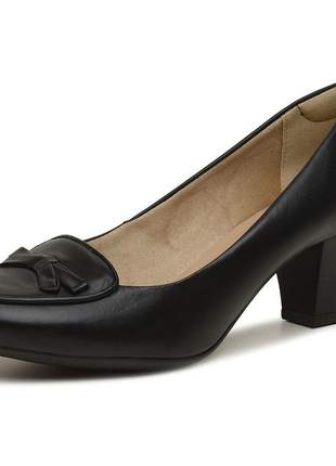 Scarpin salto baixo e grosso couro legítimo cor preto