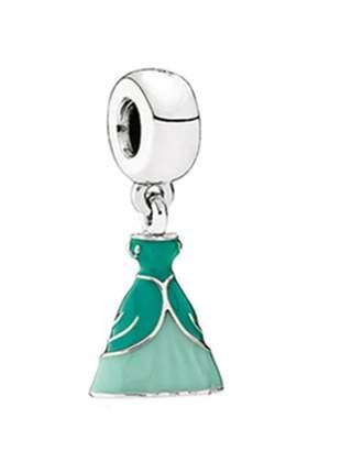 Charm berloque pingente vestido ariel compatível com pulseira vivara ou pandora