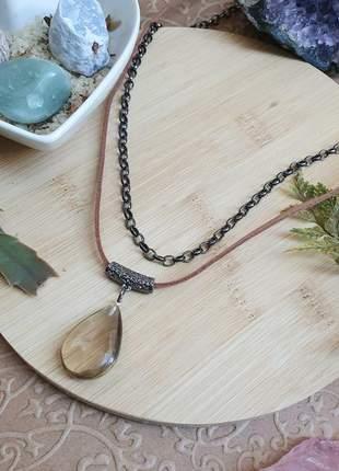 Colar duplo com pingente de pedra natural