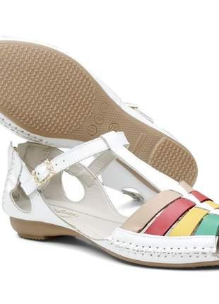 Sandália rasteira feminina em couro legítimo branco com tiras coloridas