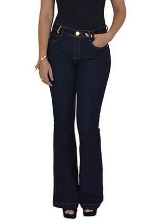 Calça jeans flare lança perfume promoção