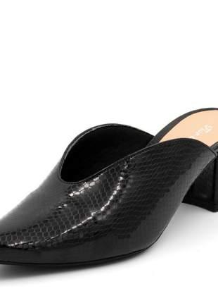 Mule sapatilha feminina bico fino salto grosso em napa verniz cobra preto