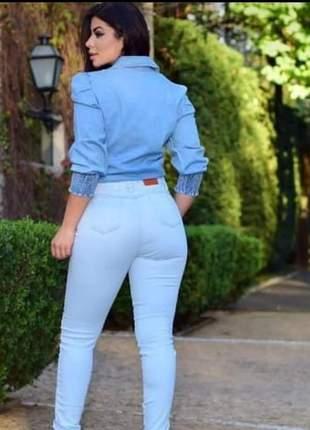 Camisa jeans fina manga bufante  plus size