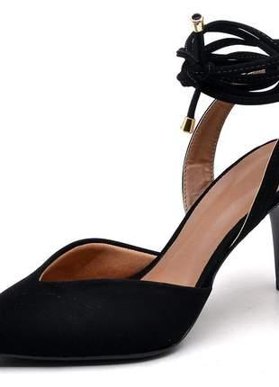 Sapato scarpin bico fino folha nobuck preto salto médio fino amarrar na perna