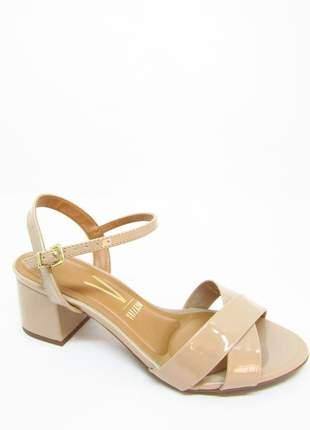 Sandália vizzano nude verniz salto 5 cm