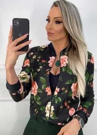 Jaquetinha estampada florida