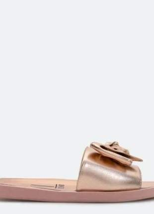 Chinelo slide casual feminino ouro rosado metalizado vizzano