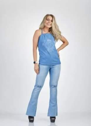 Calça jeans feminino claro despojado flare básica com elastano