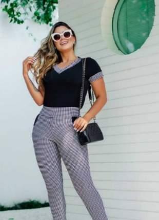 Conjunto feminino de blusa e calça de crepe com elastano