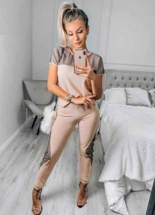 Conjunto de blusa e calça de malha crepe com detalhes em lurex