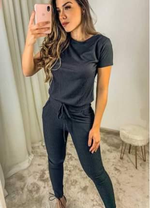 Conjunto feminino de blusa e calça de malha canelada
