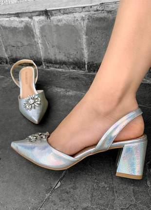 Scarpin salto bloco baixo prata holografico pedra festa moda lançamento
