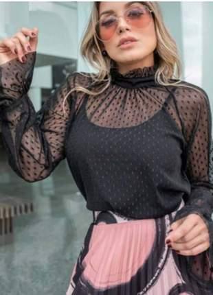 Blusa de tule preta transparente manga longa