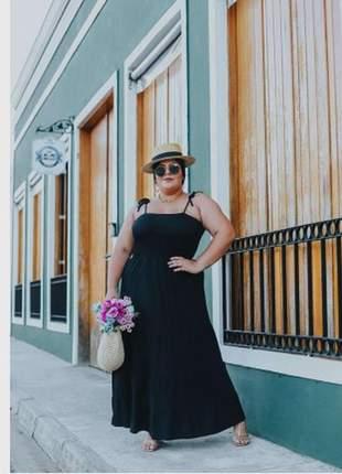 Vestido longo plus size nas cores preto, pink e verde