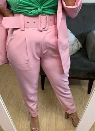 Calça social feminina alfaiataria com cinto encapado forrado rosa