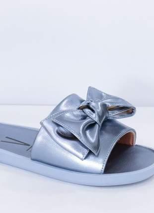 Chinelo slide feminino metalizado vizzano
