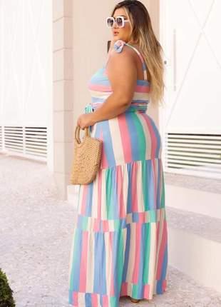 Vestido colorido plus size de alça com cinto laço
