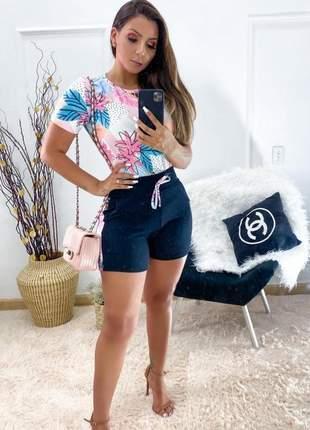 Conjunto estampado shorts e blusa