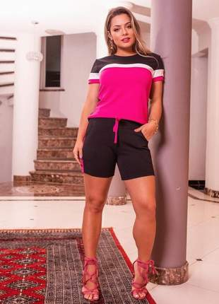 Conjunto bicolor de shorts e blusa