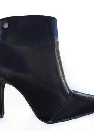Bota feminino salto fino preto casual cano curto