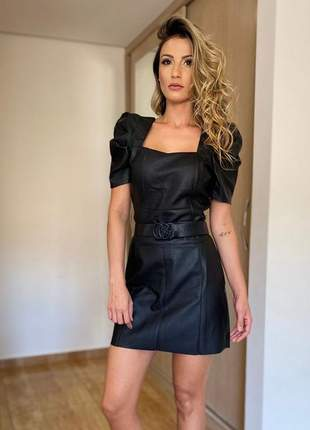 Conjunto feminino blusa e saia peplum couro ecologico