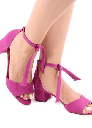 Sandália salto baixo amarração nude e rosa pink
