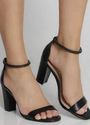 Sandália preta feminino via uno salto alto tendencia