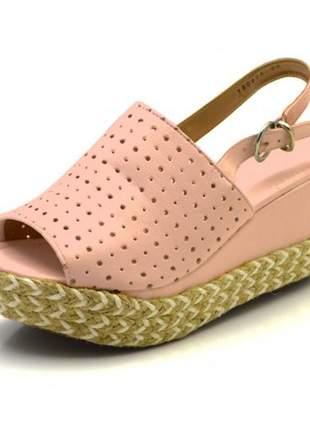 Sandália anabela perfurada salto médio rosa bebê corda