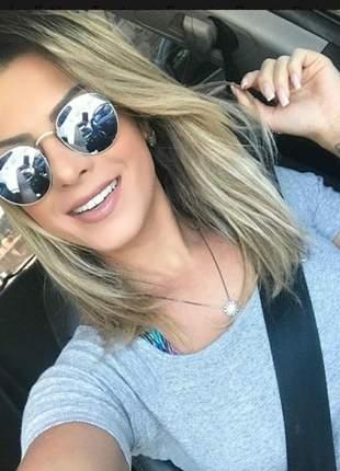 Óculos estiloso tendencia feminino passeio praia