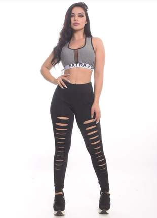 Conjunto fitness - calça legging preta rasgada e top de academia cinza #blackfriday