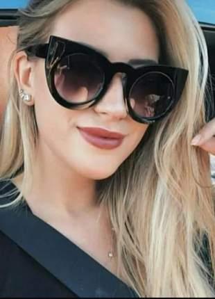Óculos feminino escuro de sol blogueiras tendência