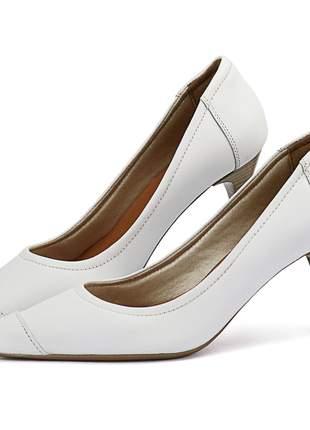 Scarpin em couro salto fino médio e bico fino sapatofran branco feminino