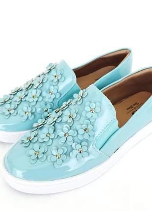 Tenis slip on loren fun store azul tiffany celeste verniz aplique de flores metalizado
