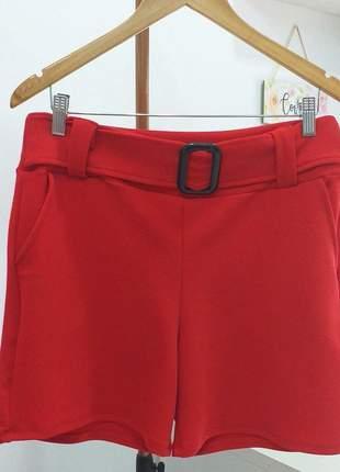 Shorts com detalhes de cinto e bolso