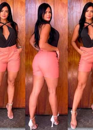 Conjunto body marquezine e shorts alfaiate