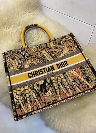 Bolsa italiana book tote em tecido bordado