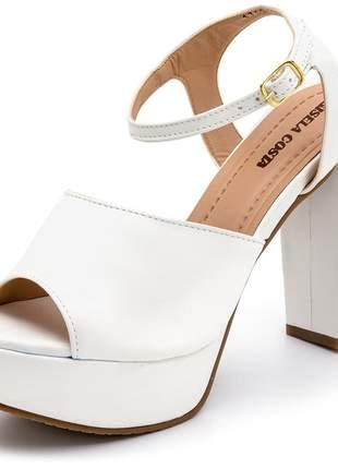 Sandália meia pata salto alto em napa branca