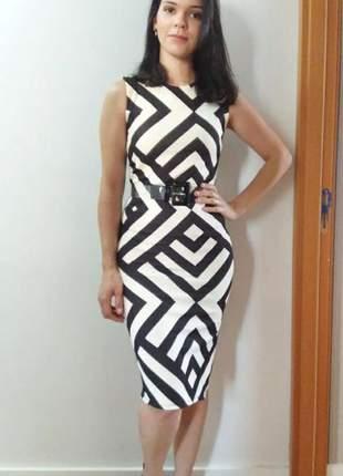 Vestido midi elegante preto e branco