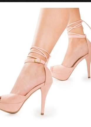 Sandália feminina boneca meia pata salto alto fino delicada