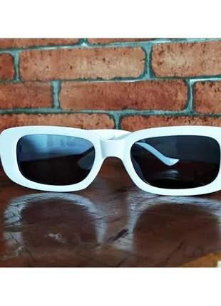 Óculos de sol retrô vintage