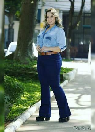 Calça jeans plus size flare