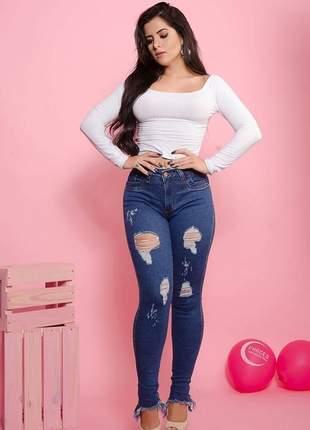 Calças jeans feminina cintura alta barra desfiada e rasgada