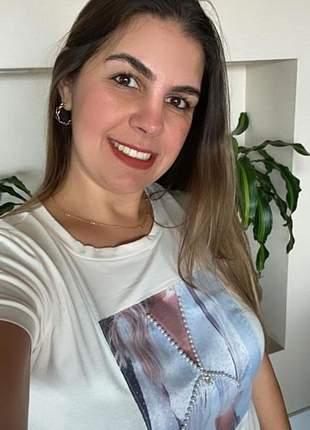 T-shirt  com pedraria