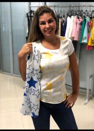 T-shirt com estampa de estrelas