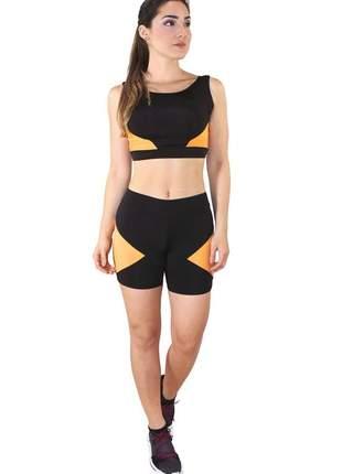 Conjunto fitness cropped com faixa amarelo e shorts preto com amarelo moda fitness