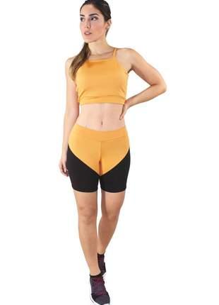 Conjunto fitness cropped amarelo e shorts preto com amarelo moda fitness