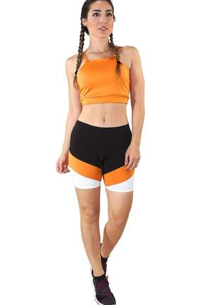 Conjunto fitness cropped amarelo e shorts com faixas preto com branco e amarelo moda fitn