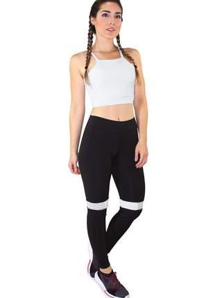 Conjunto fitness cropped branco e calça fitness preto com listra branco moda fitness