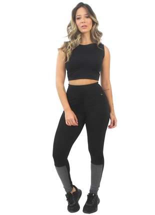Conjunto fitness cropped e calça legging preto e mescla detalhe costas moda fitness